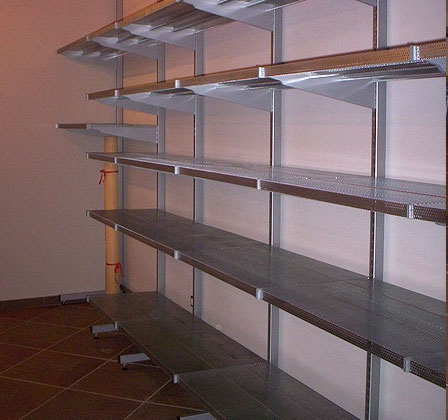 Stampofer fabbrica scaffalature e arredamenti for Arredamento magazzino